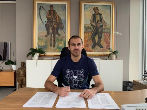 Tiago extended his contract with the club