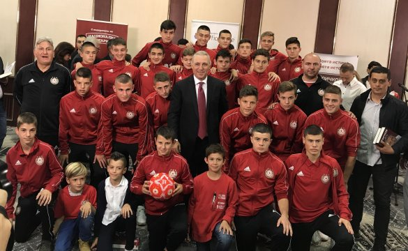 Hristo Stoichkov presented his autobiography