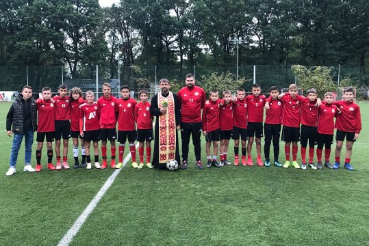 Prayer for the health of CSKA U13 children before the start of the season (VIDEO)